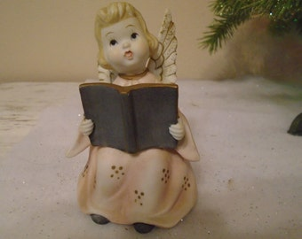 Vintage Lefton porcelain bisque Christmas angel with songbook, pink blush dress KW706