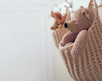 CROCHET PATTERN - Hanging Storage Pouch - Instant Download (PDF)