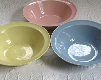 Lu-Ray . bowl . serving dish  . lu-ray serving bowl . pastel vegetable dish . vegetable bowl . lu-ray vegetable bowl . lot of 3