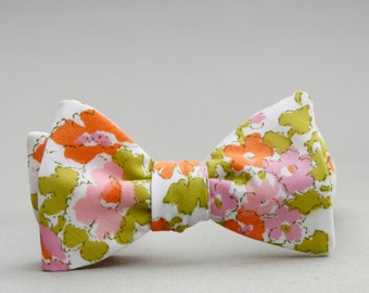 floral freestyle bow tie // watercolor bow tie // self tie bow tie