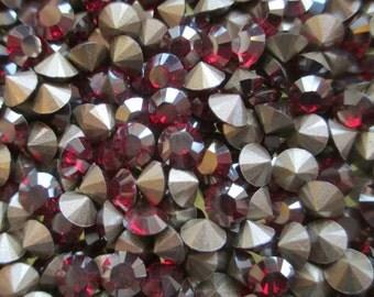 48 pp31 Siam Champagne ss16 Swarovski Size 16 or 4mm Chatons Art 1028 Swarovski 4mm Siam Champagne pp31 Champagne Siam 31pp Siam