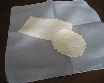 Lot of 3 VINTAGE White & Blue Linen Up Cycle Napkin Doily Pouch