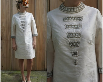 Vintage 60s Ivory 3-D Beaded Mod Shift Dress by Heftco | Medium/Large
