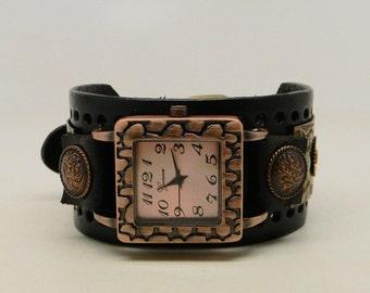 Steampunk watch. Women watch. Quartz watch.Leather cuff watch