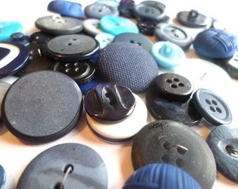 50 Vintage Shades of Blue Buttons