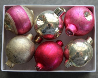 Faceted Hot Pink and Silver Stripe Valentine Mercury Glass Garland Ornaments - Large Indented Vintage Style Beads Feather Tree Decorations