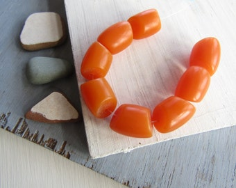 orange  tube resin bead , opaque tone irregular shape  , faux amber, statement indonesian (8 beads  ) 6bb18-2