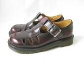 Vintage DOC MARTEN Burgundy Buckle Oxford/ Mary Janes. Size 5 UK// Size 7 U.S.