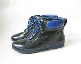 Vintage 80s Two Tone Duck Rain Boots. Size  8