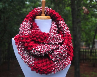 Knit Infinity Scarf in Cranberry Red, Chunky Scarf, Circle Scarf, Hand Knit Infinity Scarf, Women Scarf, Knitted Scarf, Winter Scarf, Wool
