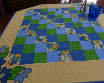 Blue and Yellow Daisy table Topper