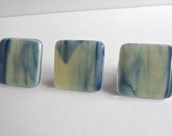 Streaky Adventurine Blue and French Vanilla Fused Glass Cabinet Door Knob by BPRDesigns