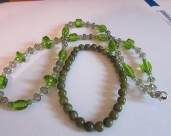 Stone green glass necklace & bracelet