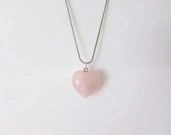 Heart shaped rose quartz gemstone pendant necklace