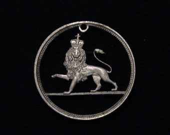 Great Britain - cut coin pendant - w/ Crowned Lion - 1968