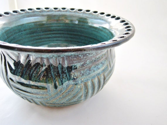 Earring holder, Jewelry Bowl, Jewelry holder, handmade pottery gift, gift to her - Made to order