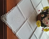 Tablecloth White Linen Tatted Lace trim, Embroidered Flower Basket, White, vintage 1930s