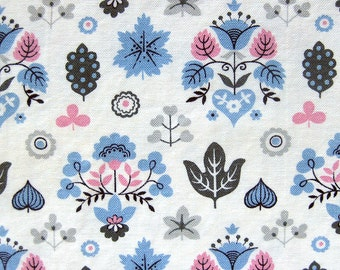 Vintage Cotton Fabric - Fifties Fabric - Mid-Century Print in Light Blue, Gray and Pink / Leaves and Flowers