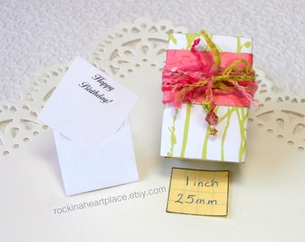 Matchbox Art - keepsake matchbox with gift card (your choice of sentiment), keepsake box, in shades of lime green and pink