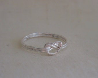 NORITA DESIGNS/Delicate sweet true love-knot, infinity, lover's knot Sterling Silver ring