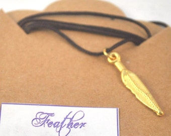 Dainty Charm Necklace/Golden Feather Necklace