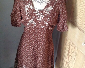 1970 s dress in brown and cream