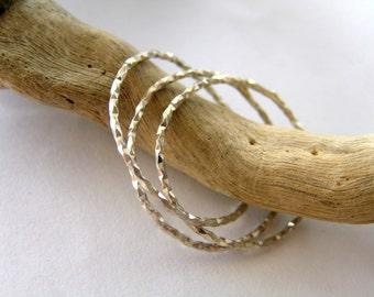 Handmade interlocking sterling silver rings. 3 sterling silver interwinded diamond shape wire rings.