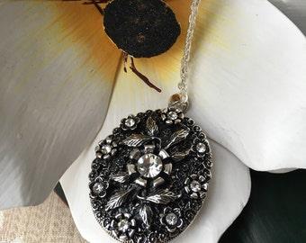 Big Sparkle Flower locket