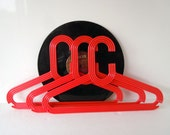 3 Vintage Mod Retro Red Chunky Clothes Hangers Clothing Display Plastic Hangers Storage Closet Organizer