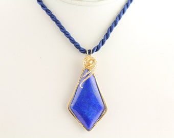 Lapis lazuli Pendant. Listing 257844958