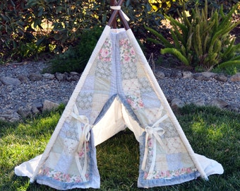RAGGEDY ANNIE - teepee, tent, play tent, photo prop