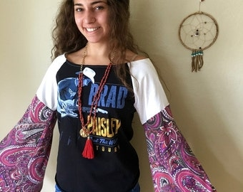 Brad Paisley Country Music Brad Paisley Off The Shoulder Bell Sleeve Winter Tour Tshirt Top Shirt Tee Womens Hippie Boho OOAK Size Medium