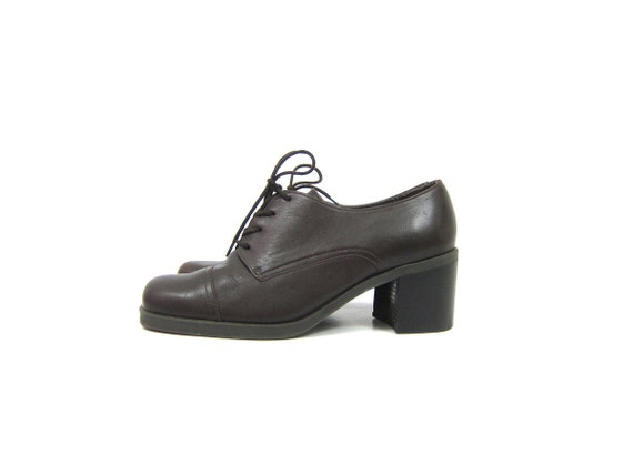 1990s dark chocolate Brown leather oxfords Chunky lace up librarian shoes Preppy Heel Shoes Fall Shoes Women's Size 6.5