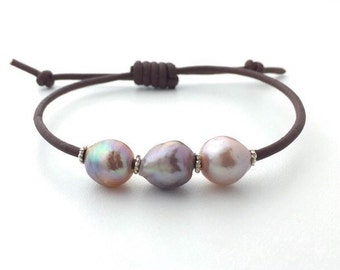Kasumi-like Pearl and Leather Bracelet. Brown Leather, Pearls and Sterling Silver.
