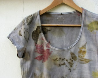 Women t-shirt eco print hand dyed with plants