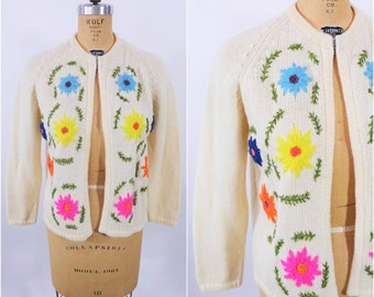 1960s cardigan vintage 60s cream embroidered flowers wool sweater M/L