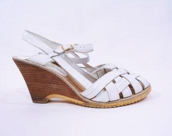 1980s sandals vintage 80s white strappy classic lattice wedges 10M