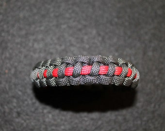 Thin line paracord Team Colors and More 7 inch bracelet with button closure