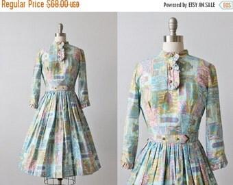 SALE Vintage 1950s Dress / 50s Dress / Novelty Print / Cotton Dress / Gathered Skirt