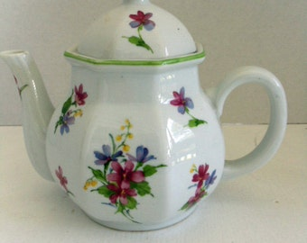 Purple and White Floral Teapot