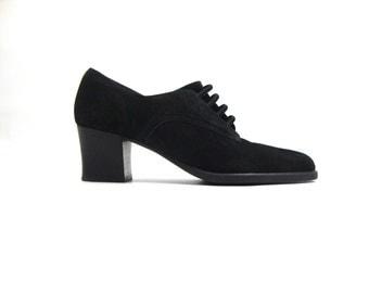 90s chunk heel elastic black suede heels / 6