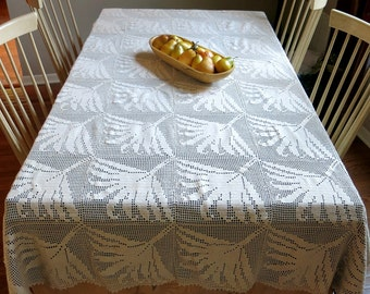 Hand Crocheted Palm Leaf Tablecloth Coverlet Large Creamy White Vintage Home Linen Decor