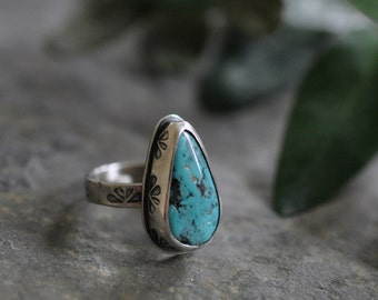 Sterling Kingman Turquoise Ring, Oxidised Sterling Silver Stacking Ring, Gemstone Metalwork Ring - Posy Ring in Turquoise