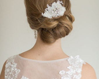 Bridal Lace Hair comb, Wedding Headpiece, Bridal Flower Fascinator, Ivory Silk Flower Comb