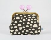 Metal frame coin purse with color bobble - Pebbles in dark grey - Color dad / Japanese fabric / Ellen Luckett Baker