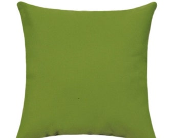 Sunbrella Canvas Solid Macaw Green Outdoor Decorative Throw Pillow 5429-0000