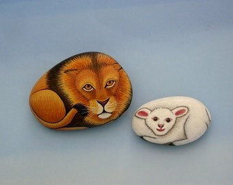 Lion and lamb-painted rocks-ooak 3D art object-wildlife-nature-animal painting-Holiday gift ideas-collectible keepsakes-birthday-paperweight