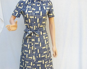SALE 60s Navy Yellow Geometric Day Dress size Small Doncaster A-Line Sheath