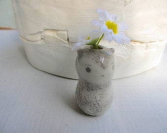 Baby Otter Vase
