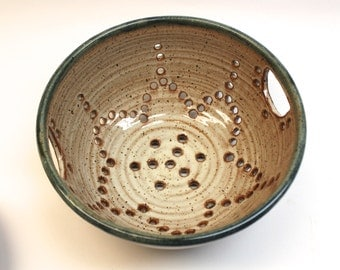 Ceramic Colander Collander -  Ceramic Berry Bowl - Strainer - Bowl  with plate in Cream with Handles IN Stock